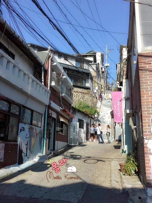neighborhood-painting-mural-village-seoul-molang-korea-mollakorea