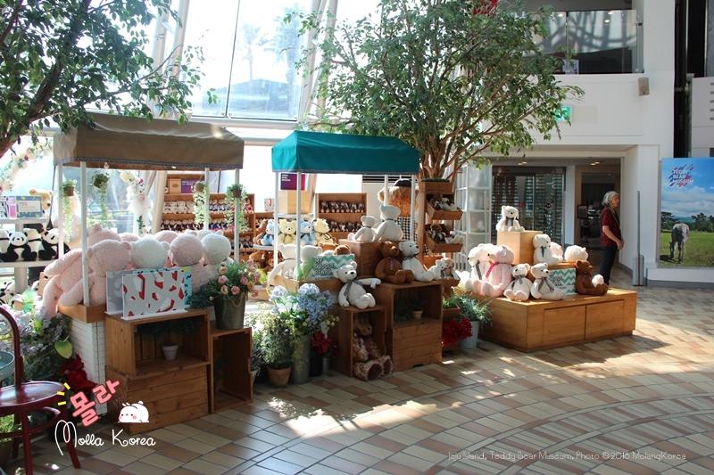 Jeju Island 25 Teddy Bear Museum Photo ©2018 MolangKorea